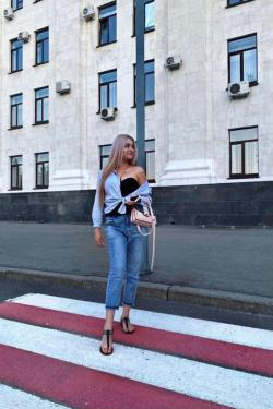 девушки; Минская; Москва; Нюра) Сосу и Глотаю